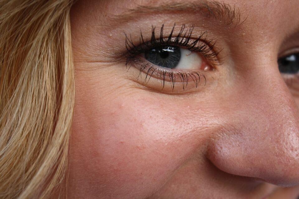 Usuwanie zmarszczek mimicznych twarzy